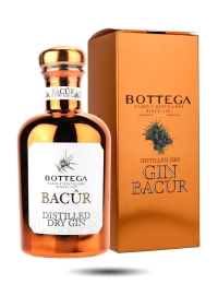 Bacur Bottega Distilled Gin in copper box