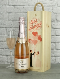 Just Married Sparkling Rose Wine Gift