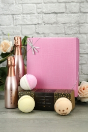 Rose Gold Sparkling Wine & bath bombs trio gift set