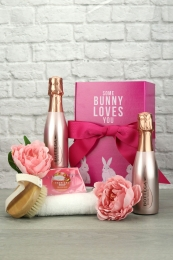Some bunny loves you Sparkling rose spa gift set